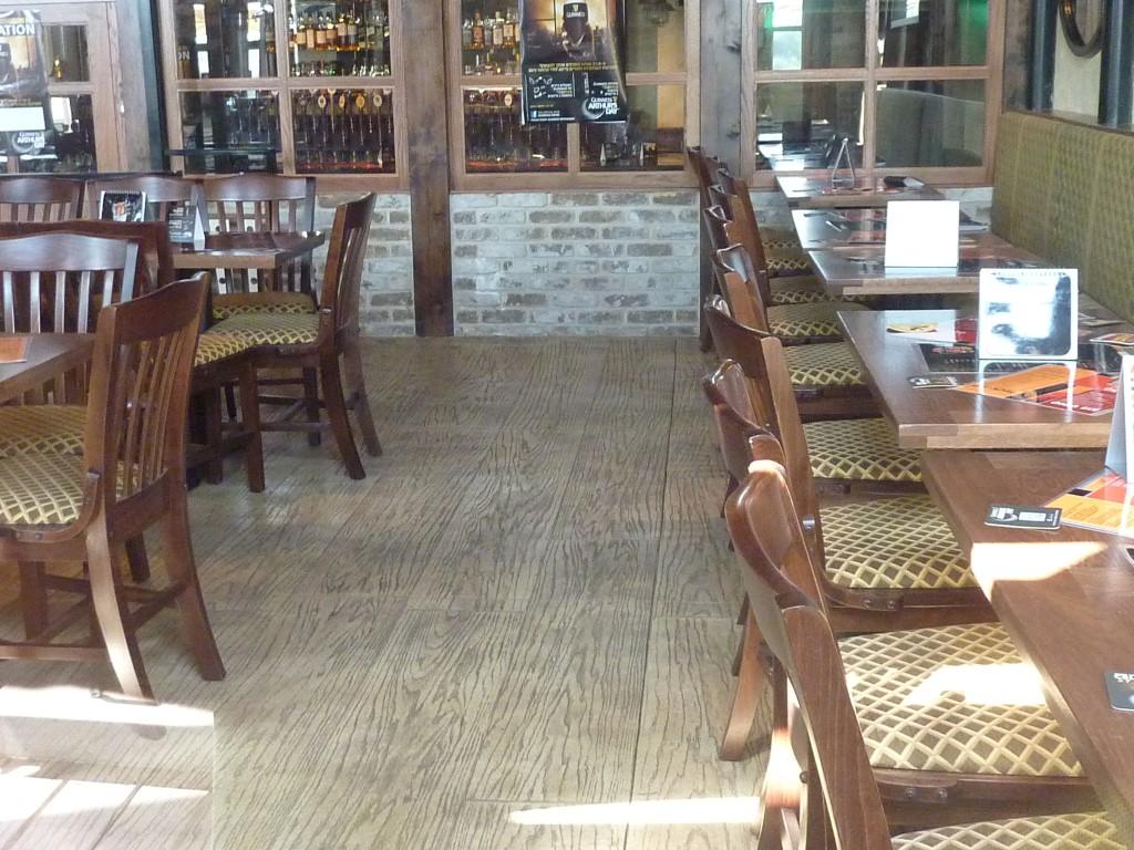 ריצוף בטון במסעדה