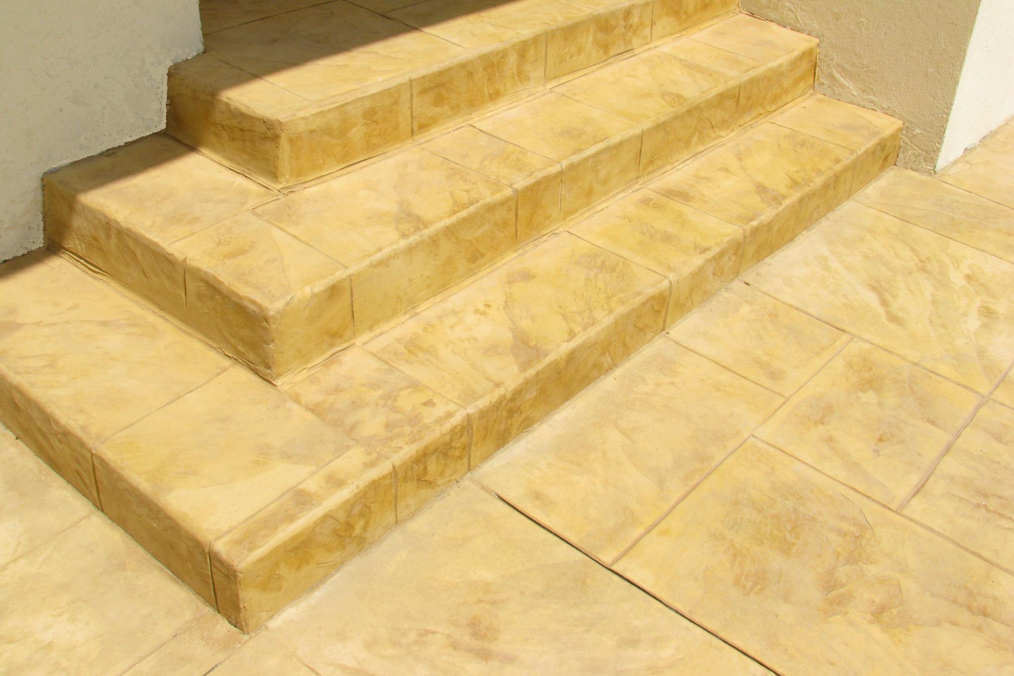 מדרגות בטון יצוקות