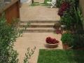מדרגות בטון מוטבע משולבות אדני רכבת